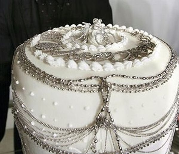 most expensive platinum cake Japan Platinum Cake for $132,320