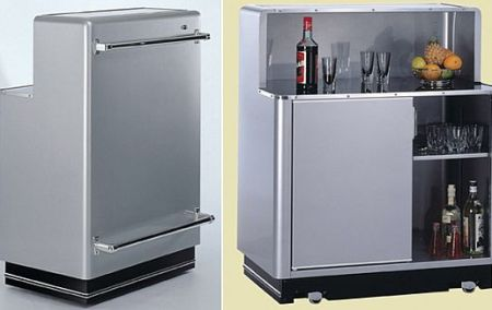 Portable Bar Walks on its Wheels
