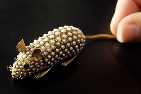 Bejeweled 18-Carat Gold Mouse Expected to Fetch $100,000 Plus