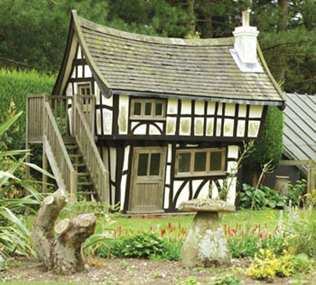 £25,000 Tudor Playhouse Invites Children