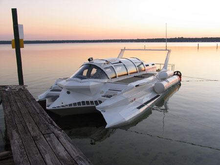 Hyper-Sub Submersible Powerboat: It Sinks While Floating