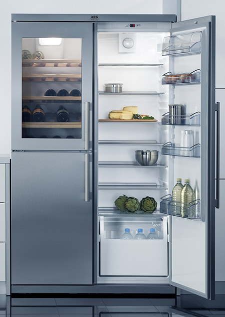 AEG Unveils Santo Fridge Cum Wine Cooler