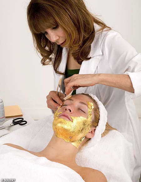 Feel Young Via 24-Carat Anti-Ageing Gold Facial