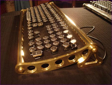 vonslatt keyboard Customized Keyboards: Steampunk At Par