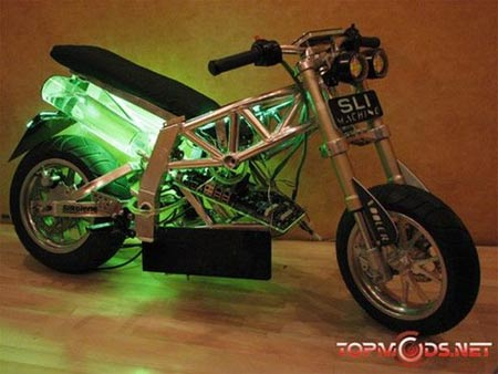 496 sli machine Computer Bike: NVIDIA Motorcycle Casemod Touts to be the Fastest Computer