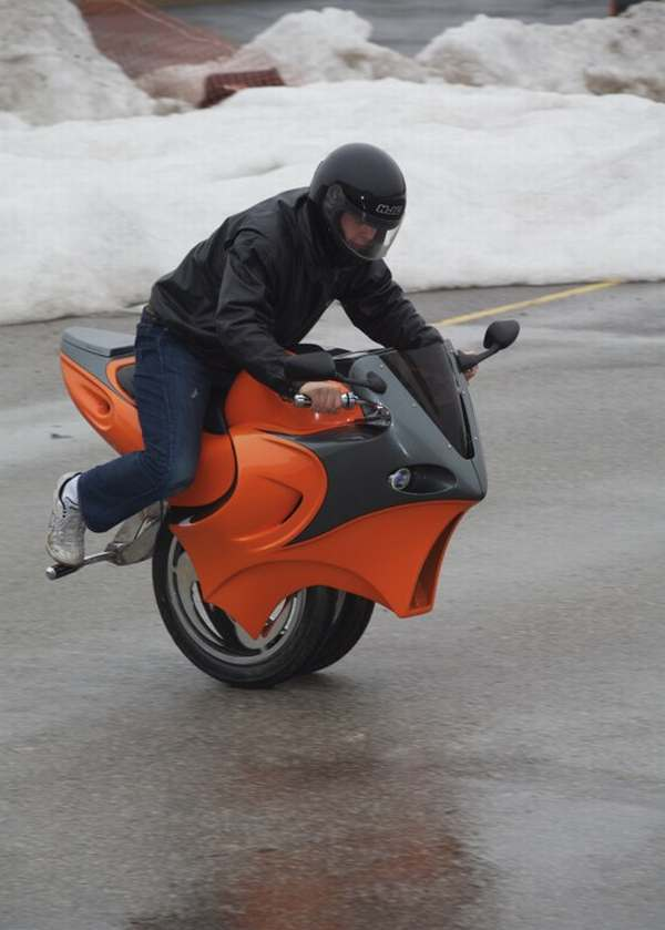 Uno One Wheeled Motorcycle-1