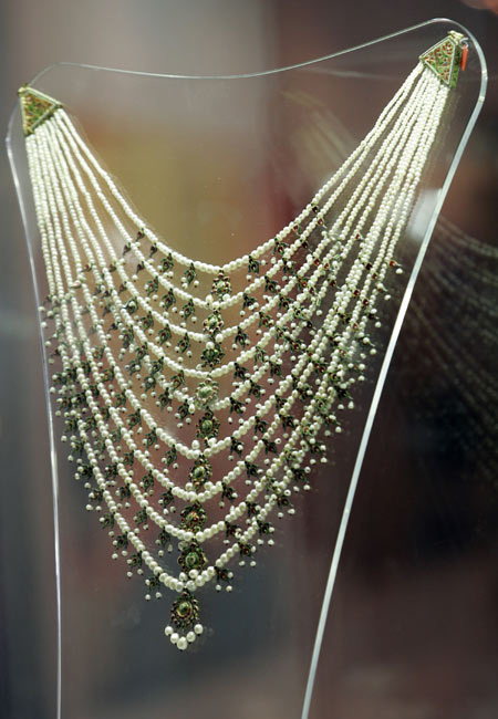 Umm Kulthoum's Antique Necklace Fetches $1.3 mn