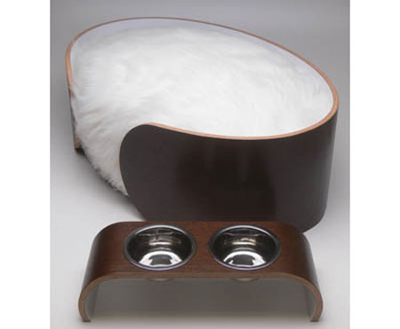 Wowo Ellipse Pet Bed Is Ultra-Furry