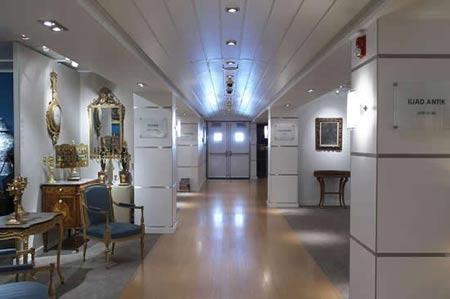 Luxe Mega Yacht