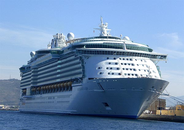 World's Largest Cruise Ship, Independence of the Seas, UK, cruise ship, yacht