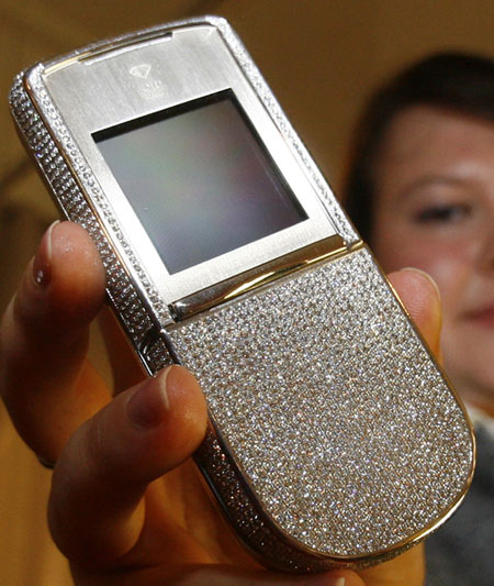 Elite Find of the Day: $276,360 'Angel of the Stars' Mobile Phone Elite Find of the Day, Angel of the Stars, Cell Phone, Mobile Phone, Munich, Germany, Luxurious Millionaire Fair, luxury fair, Jetsetmarket, Luxury, Luxury Brand, Events, Exhibition
