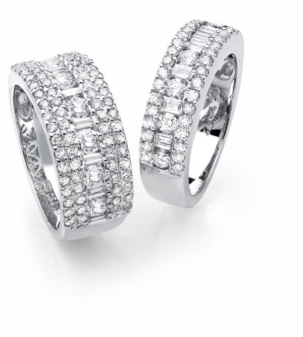 diamond-engagement-ring-2 Twosome Awesome: Platinum diamond-Studded Rings