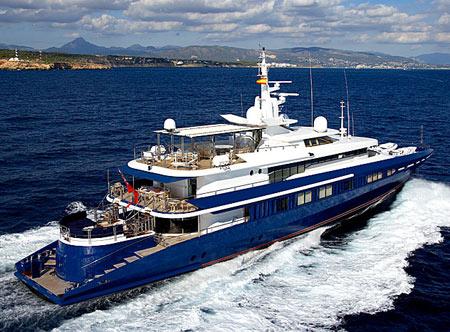 Luxury Dive Via OceanSeven OceanSeven, Oceanfast PTY, Australia, Jacuzzi, watersports,  yacht, luxury