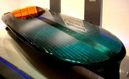 World's First Solar Speedboat Rides at 30-knot, 80kw Czeers Mk1