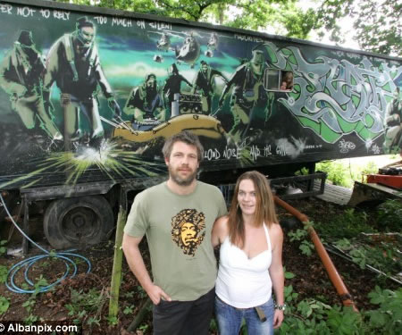£1,000 Trailer May Fetch £500,000; Courtesy Banksy Street Graffiti Artist