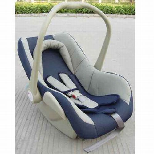 Two-in-One: Car Seat Cum Baby Stroller