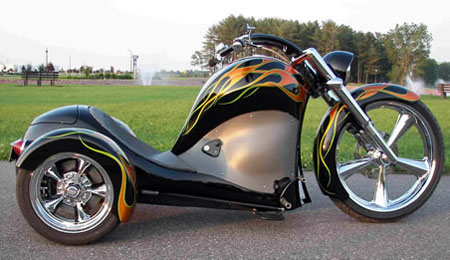 Cosmo Trike: Ready to Ride Over Three-Wheeled Hot Rod Motorcycle?