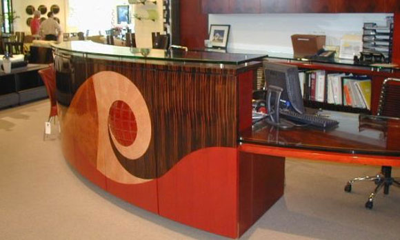 $200,000 Parnian Executive Desk is World's Most Expensive One