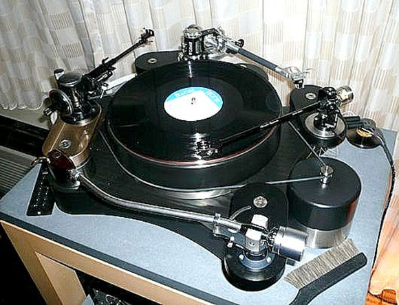 $56,000 Turntable: A Four-Legged Glory, Courtesy Highwater Sound!