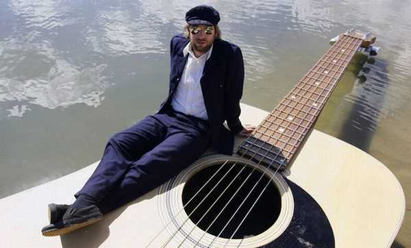 The Guitar Boat: Courtesy Josh Pyke
