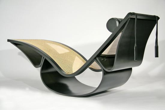 Oscar Niemeyer's Vintage Rio Chaise Is Waiting To Be Yours