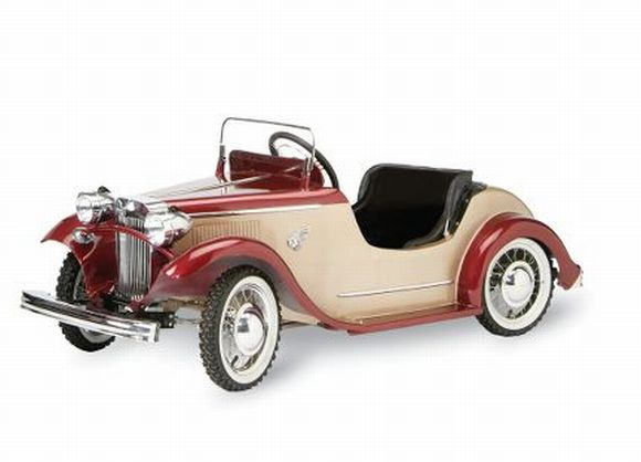 1932 Ford Roadster: Gift your little one a timeless piece of automobile history!