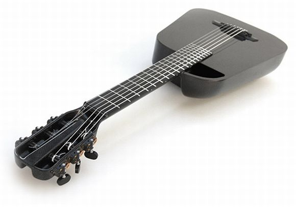 Blackbird's Latest Melody: A Carbon Fiber Guitar with Nylon Strings!
