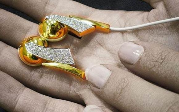 Most Expensive Bejewelled  Earphones!
