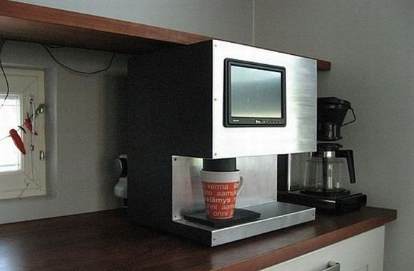 Reko Maenpaa designs touchscreen integrated- computer controlled Coffee Maker