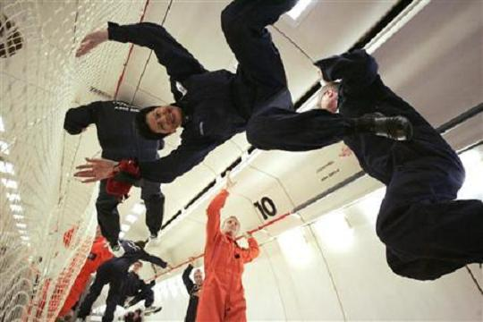 Darebus Takes You On A Spree Of Weightlessness
