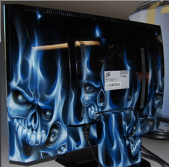 iZ3D Custom Painted Monitors: Limited Edition Gaming Fantasy!