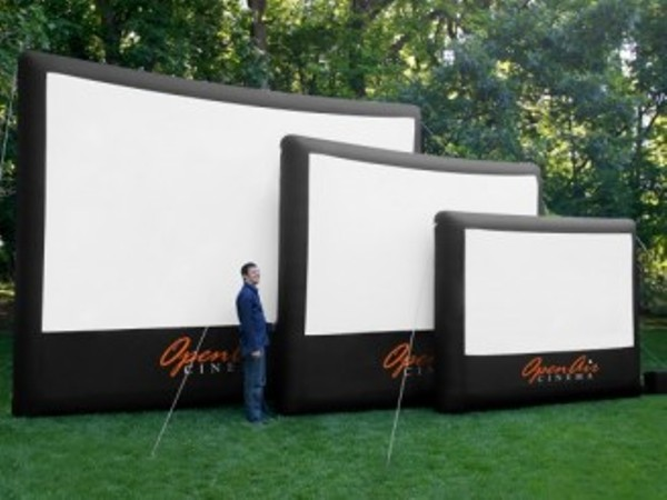 Giant inflatable open air home screen costs 1 150 elite choice Home garden tv