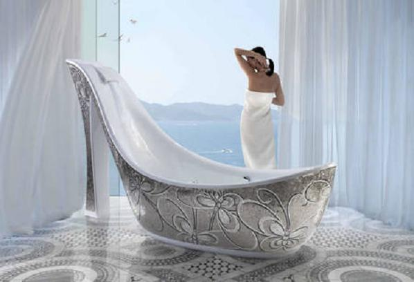 sicis-shoe-bathtub-main2