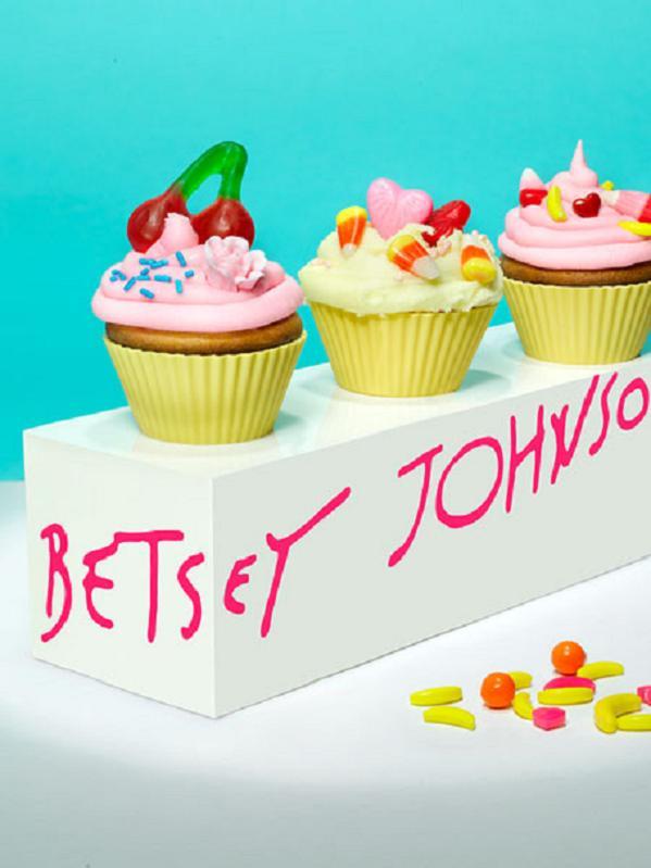 betseyjohnson-cupcakes