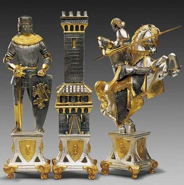 carolingi_xiv_chess_pieces
