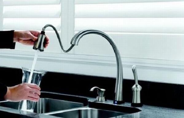 delta-pilar-faucet-1
