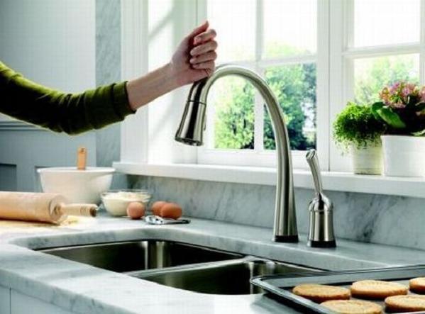 delta-pilar-faucet