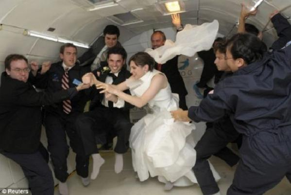 zero gravity wedding 1 swv56 48 Noah Fulmore & Erin Finnegan Create History By Marrying In Zero Gravity