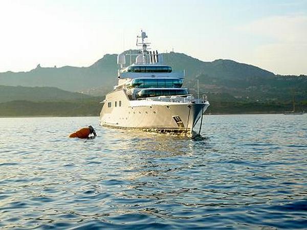 enigma_yacht_00