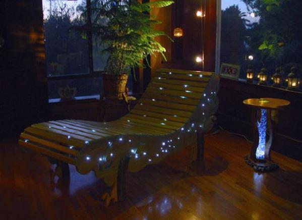 led-illuminated-chaise-lounge