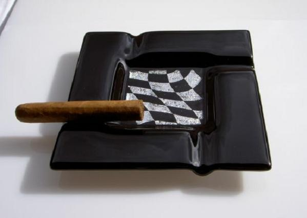 ysenberg-grand-prix-ashtray_1