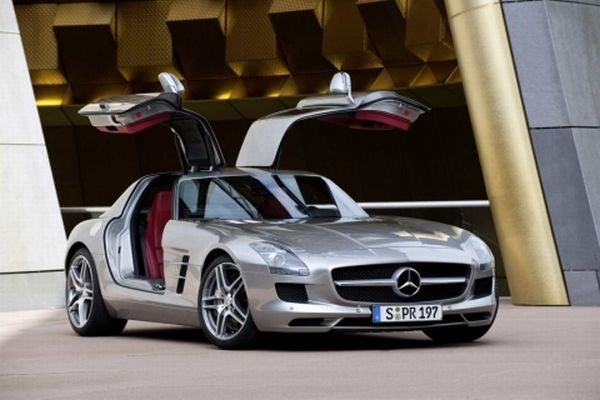 mb-sls-amg-gullwing_19_0
