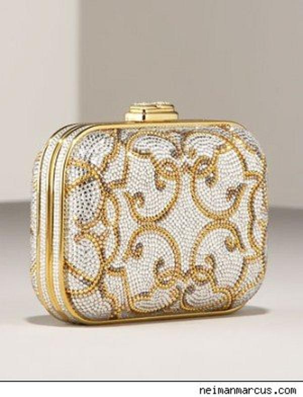 versailles box clutch1 Versailles Box Cluth By Judith Leiber Will Be An Aspiration For Your Daughter