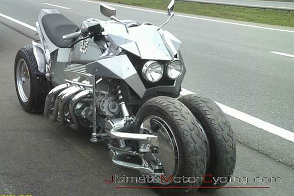 Four Wheeled Cosmos 4RW V8 Muscle Bike