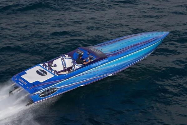 Cigarrette Powerboat