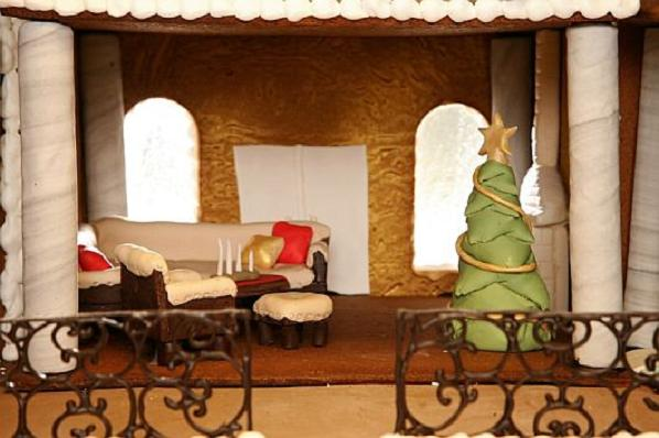 Christmas-Decoration-World-Most-Expensive-Gingerbread-House-3