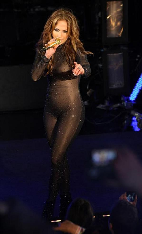 JLo cat suit JLo Is Talk Of The New Year Thanks To Her Snazzy Diamond Cat Suit