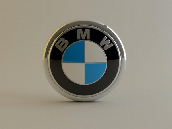 bmw-x5-gets-luxury-car-of-the-decade-award-15865_1