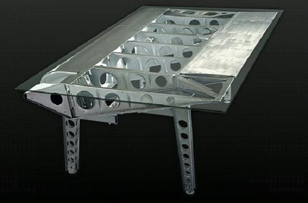 stratofreighter-desk
