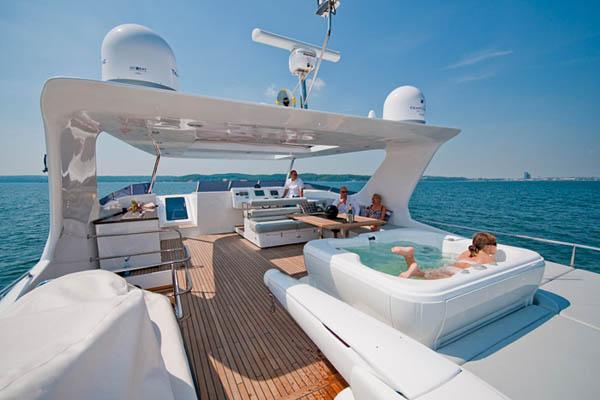 70 sunreef sea bass luxury yacht